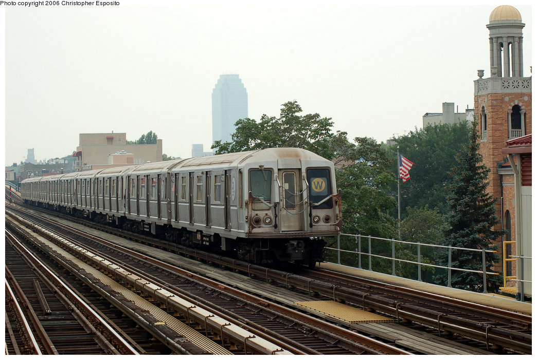 (204k, 1044x701)<br><b>Country:</b> United States<br><b>City:</b> New York<br><b>System:</b> New York City Transit<br><b>Line:</b> BMT Astoria Line<br><b>Location:</b> 30th/Grand Aves. <br><b>Route:</b> W<br><b>Car:</b> R-40 (St. Louis, 1968)  4211 <br><b>Photo by:</b> Christopher Esposito<br><b>Date:</b> 7/27/2006<br><b>Viewed (this week/total):</b> 3 / 2223