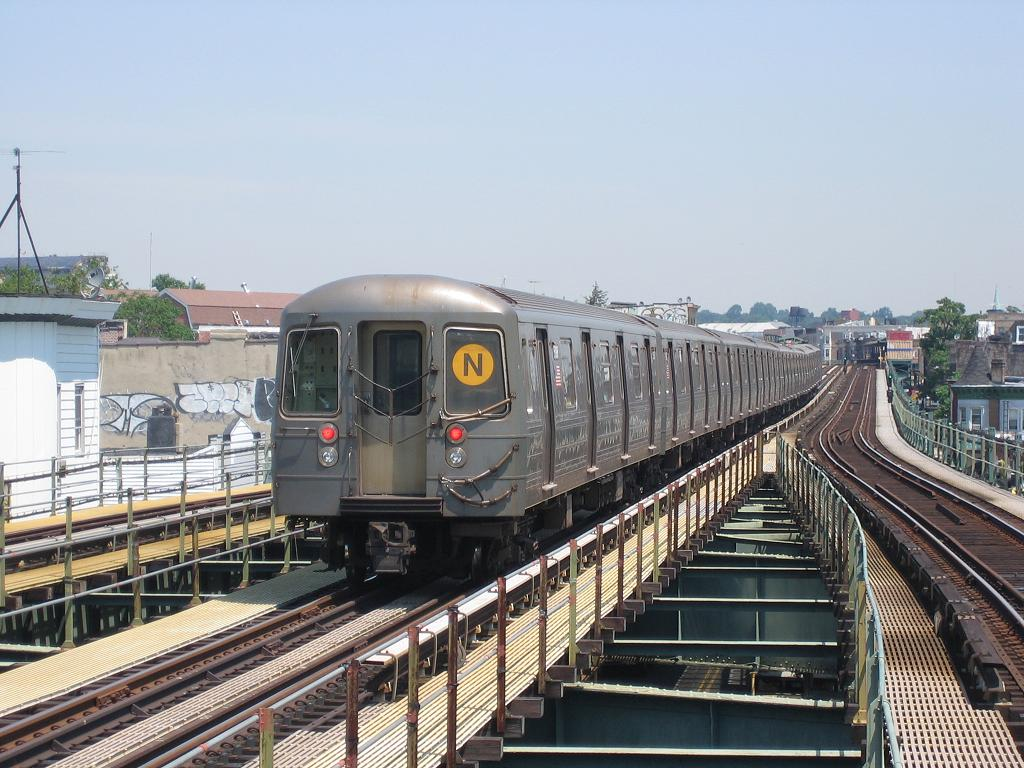 (140k, 1024x768)<br><b>Country:</b> United States<br><b>City:</b> New York<br><b>System:</b> New York City Transit<br><b>Line:</b> BMT West End Line<br><b>Location:</b> 62nd Street <br><b>Route:</b> N<br><b>Car:</b> R-68A (Kawasaki, 1988-1989)  5198 <br><b>Photo by:</b> Michael Hodurski<br><b>Date:</b> 7/18/2006<br><b>Viewed (this week/total):</b> 2 / 2235