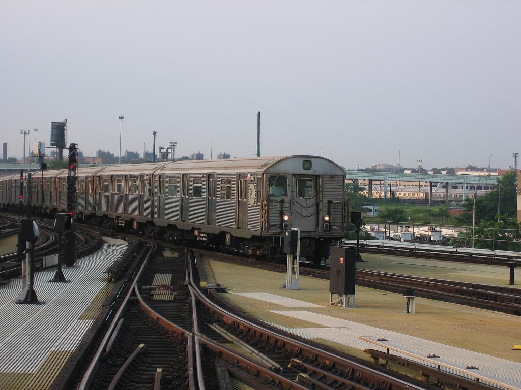 (118k, 1024x768)<br><b>Country:</b> United States<br><b>City:</b> New York<br><b>System:</b> New York City Transit<br><b>Location:</b> Coney Island/Stillwell Avenue<br><b>Route:</b> N<br><b>Car:</b> R-32 (Budd, 1964)  3617 <br><b>Photo by:</b> Michael Hodurski<br><b>Date:</b> 7/26/2006<br><b>Viewed (this week/total):</b> 1 / 2467