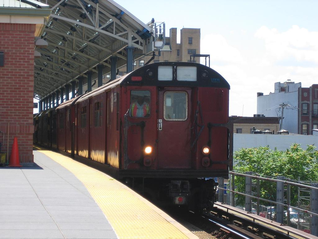 (121k, 1024x768)<br><b>Country:</b> United States<br><b>City:</b> New York<br><b>System:</b> New York City Transit<br><b>Location:</b> Coney Island/Stillwell Avenue<br><b>Route:</b> Work Service<br><b>Car:</b> R-33 World's Fair (St. Louis, 1963-64) 9334 <br><b>Photo by:</b> Michael Hodurski<br><b>Date:</b> 7/24/2006<br><b>Viewed (this week/total):</b> 1 / 2261