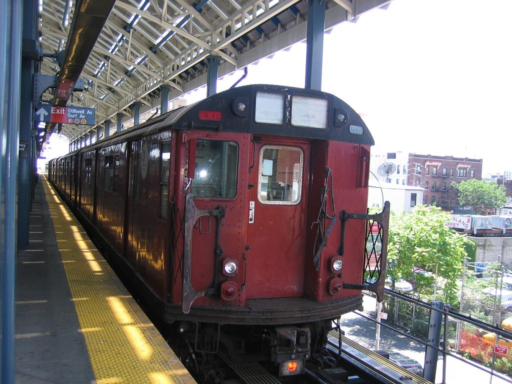 (155k, 1024x768)<br><b>Country:</b> United States<br><b>City:</b> New York<br><b>System:</b> New York City Transit<br><b>Location:</b> Coney Island/Stillwell Avenue<br><b>Route:</b> Work Service<br><b>Car:</b> R-33 World's Fair (St. Louis, 1963-64) 9334 <br><b>Photo by:</b> Michael Hodurski<br><b>Date:</b> 7/24/2006<br><b>Viewed (this week/total):</b> 5 / 1781