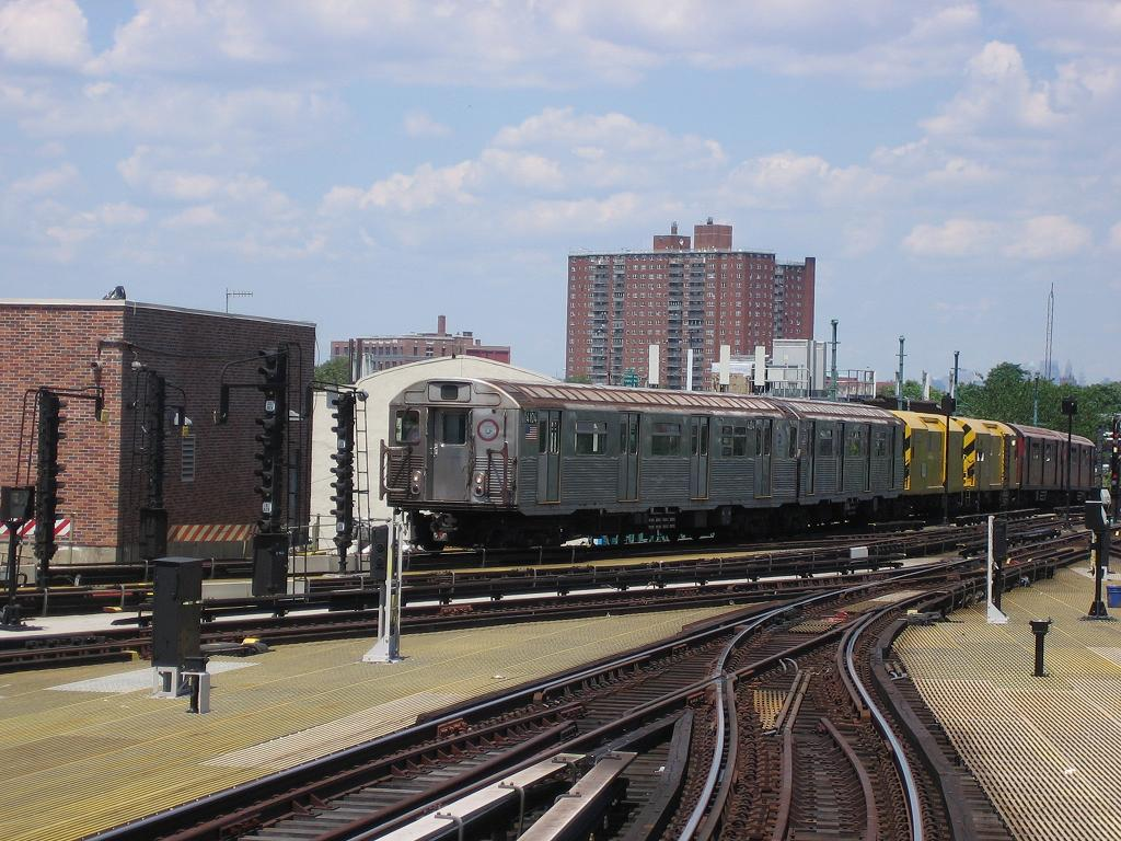 (149k, 1024x768)<br><b>Country:</b> United States<br><b>City:</b> New York<br><b>System:</b> New York City Transit<br><b>Location:</b> Coney Island/Stillwell Avenue<br><b>Route:</b> Work Service<br><b>Car:</b> R-38 (St. Louis, 1966-1967)  4104 <br><b>Photo by:</b> Michael Hodurski<br><b>Date:</b> 7/24/2006<br><b>Viewed (this week/total):</b> 2 / 2477
