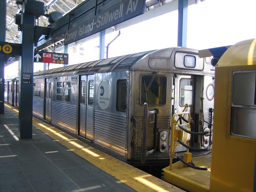 (133k, 1024x768)<br><b>Country:</b> United States<br><b>City:</b> New York<br><b>System:</b> New York City Transit<br><b>Location:</b> Coney Island/Stillwell Avenue<br><b>Route:</b> Work Service<br><b>Car:</b> R-38 (St. Louis, 1966-1967)  4105 <br><b>Photo by:</b> Michael Hodurski<br><b>Date:</b> 7/24/2006<br><b>Viewed (this week/total):</b> 2 / 3198