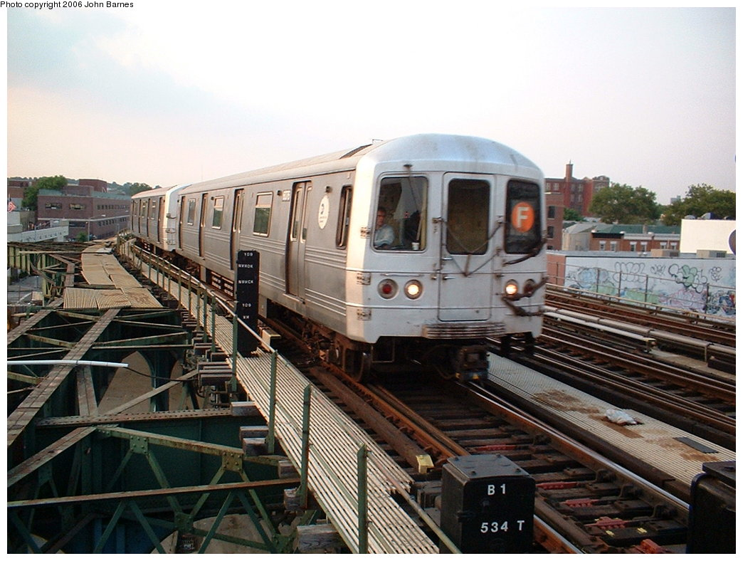(196k, 1044x788)<br><b>Country:</b> United States<br><b>City:</b> New York<br><b>System:</b> New York City Transit<br><b>Line:</b> BMT Culver Line<br><b>Location:</b> Ditmas Avenue <br><b>Route:</b> F<br><b>Car:</b> R-46 (Pullman-Standard, 1974-75) 6076 <br><b>Photo by:</b> John Barnes<br><b>Date:</b> 7/26/2006<br><b>Viewed (this week/total):</b> 3 / 2280