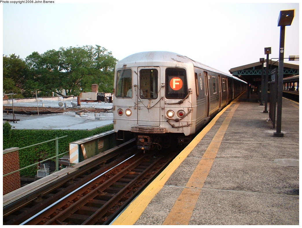 (202k, 1044x788)<br><b>Country:</b> United States<br><b>City:</b> New York<br><b>System:</b> New York City Transit<br><b>Line:</b> BMT Culver Line<br><b>Location:</b> Kings Highway <br><b>Route:</b> F<br><b>Car:</b> R-46 (Pullman-Standard, 1974-75)  <br><b>Photo by:</b> John Barnes<br><b>Date:</b> 7/26/2006<br><b>Viewed (this week/total):</b> 2 / 1980