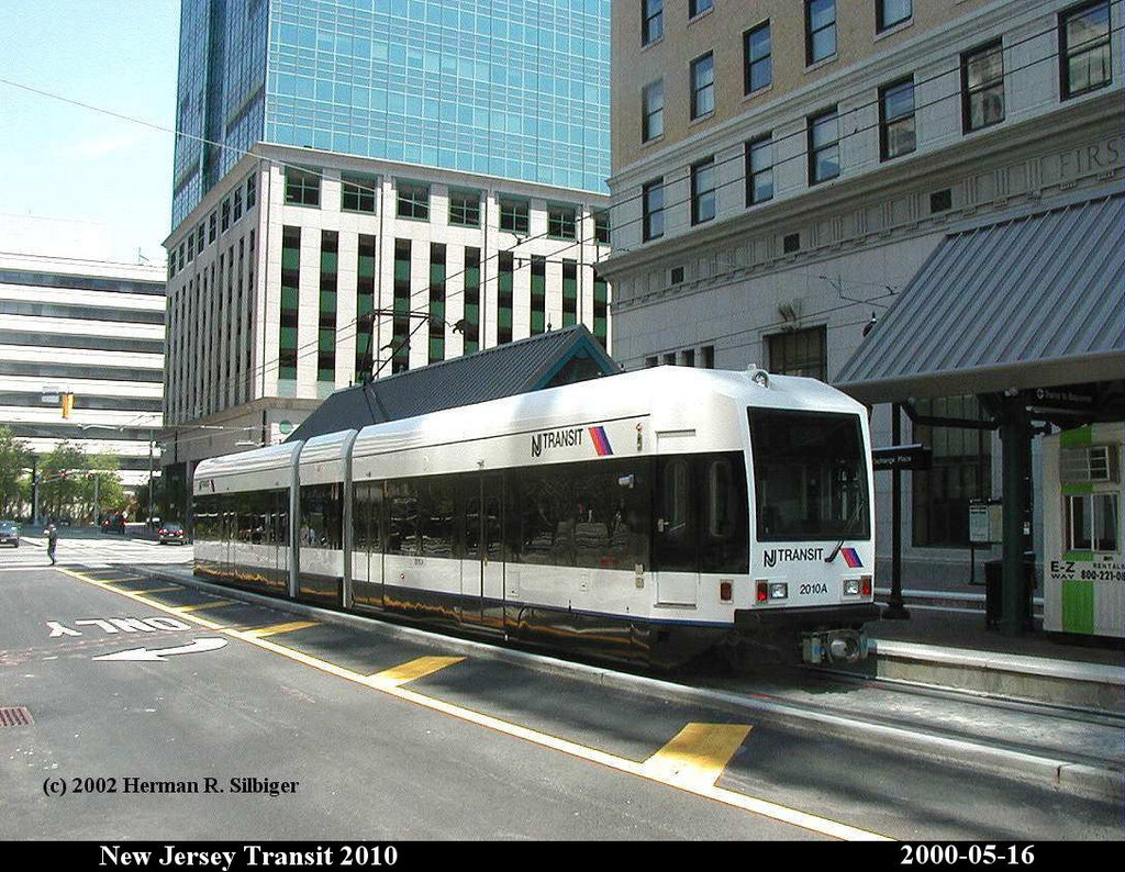 (251k, 1024x794)<br><b>Country:</b> United States<br><b>City:</b> Jersey City, NJ<br><b>System:</b> Hudson Bergen Light Rail<br><b>Location:</b> Exchange Place <br><b>Car:</b> NJT-HBLR LRV (Kinki-Sharyo, 1998-99)  2010 <br><b>Photo by:</b> Herman R. Silbiger<br><b>Date:</b> 5/16/2000<br><b>Viewed (this week/total):</b> 0 / 1021