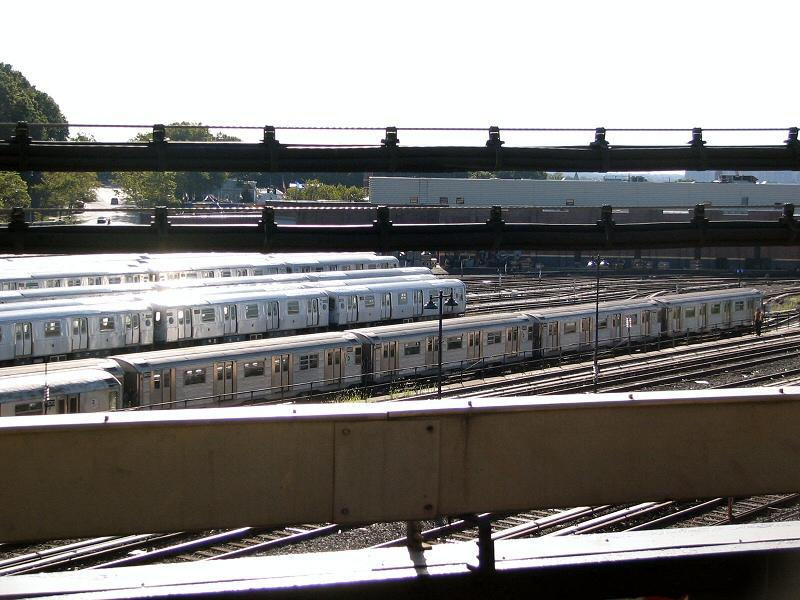 (93k, 800x600)<br><b>Country:</b> United States<br><b>City:</b> New York<br><b>System:</b> New York City Transit<br><b>Location:</b> East New York Yard/Shops<br><b>Car:</b> R-32 (Budd, 1964)  3403 <br><b>Photo by:</b> Dante D. Angerville<br><b>Date:</b> 8/11/2006<br><b>Notes:</b> Train of R32s in East New York yard (which doesn't normally host any R32s). The consist is 3588-3589 (at far left) with 3403-3402-3918-3601.<br><b>Viewed (this week/total):</b> 0 / 3481