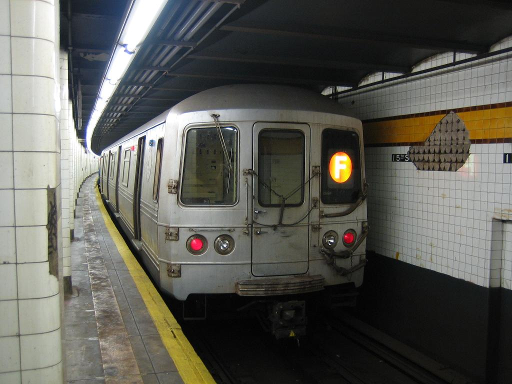 (104k, 1024x768)<br><b>Country:</b> United States<br><b>City:</b> New York<br><b>System:</b> New York City Transit<br><b>Line:</b> IND Crosstown Line<br><b>Location:</b> 15th Street/Prospect Park <br><b>Route:</b> F<br><b>Car:</b> R-46 (Pullman-Standard, 1974-75) 5514 <br><b>Photo by:</b> Michael Hodurski<br><b>Date:</b> 8/11/2006<br><b>Viewed (this week/total):</b> 0 / 2610