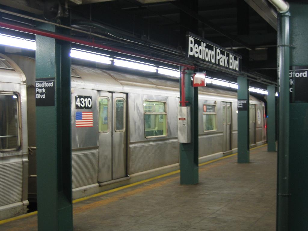(87k, 1024x768)<br><b>Country:</b> United States<br><b>City:</b> New York<br><b>System:</b> New York City Transit<br><b>Line:</b> IND Concourse Line<br><b>Location:</b> Bedford Park Boulevard <br><b>Route:</b> B<br><b>Car:</b> R-40 (St. Louis, 1968)  4310 <br><b>Photo by:</b> Michael Hodurski<br><b>Date:</b> 8/11/2006<br><b>Viewed (this week/total):</b> 2 / 1732