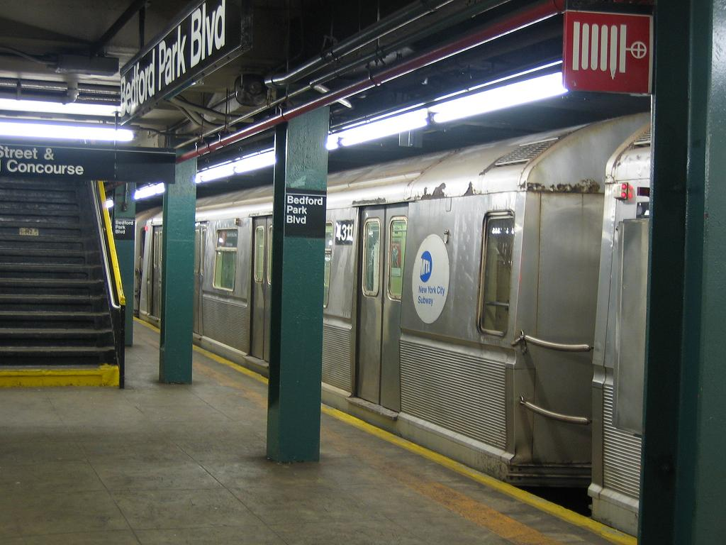 (116k, 1024x768)<br><b>Country:</b> United States<br><b>City:</b> New York<br><b>System:</b> New York City Transit<br><b>Line:</b> IND Concourse Line<br><b>Location:</b> Bedford Park Boulevard <br><b>Route:</b> B<br><b>Car:</b> R-40 (St. Louis, 1968)  4311 <br><b>Photo by:</b> Michael Hodurski<br><b>Date:</b> 8/11/2006<br><b>Viewed (this week/total):</b> 1 / 1697