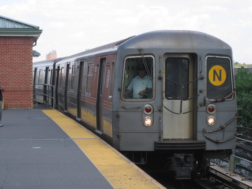 (101k, 1024x768)<br><b>Country:</b> United States<br><b>City:</b> New York<br><b>System:</b> New York City Transit<br><b>Location:</b> Coney Island/Stillwell Avenue<br><b>Route:</b> N<br><b>Car:</b> R-68A (Kawasaki, 1988-1989)  5100 <br><b>Photo by:</b> Michael Hodurski<br><b>Date:</b> 8/8/2006<br><b>Viewed (this week/total):</b> 5 / 2179