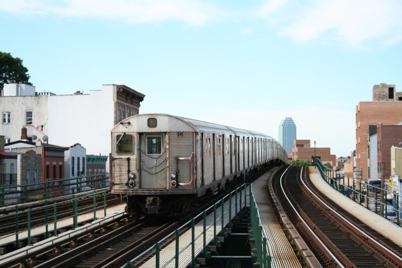 (108k, 800x533)<br><b>Country:</b> United States<br><b>City:</b> New York<br><b>System:</b> New York City Transit<br><b>Line:</b> BMT Astoria Line<br><b>Location:</b> Astoria Boulevard/Hoyt Avenue <br><b>Route:</b> N<br><b>Car:</b> R-32 (Budd, 1964)  3463 <br><b>Photo by:</b> Neil Feldman<br><b>Date:</b> 8/11/2006<br><b>Viewed (this week/total):</b> 0 / 1806