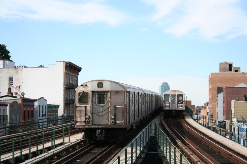 (102k, 800x533)<br><b>Country:</b> United States<br><b>City:</b> New York<br><b>System:</b> New York City Transit<br><b>Line:</b> BMT Astoria Line<br><b>Location:</b> Astoria Boulevard/Hoyt Avenue <br><b>Route:</b> N<br><b>Car:</b> R-32 (Budd, 1964)  3463 <br><b>Photo by:</b> Neil Feldman<br><b>Date:</b> 8/11/2006<br><b>Viewed (this week/total):</b> 0 / 2426