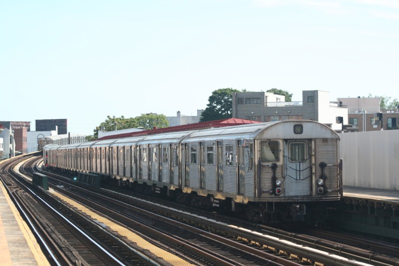 (100k, 800x533)<br><b>Country:</b> United States<br><b>City:</b> New York<br><b>System:</b> New York City Transit<br><b>Line:</b> BMT Astoria Line<br><b>Location:</b> 30th/Grand Aves. <br><b>Route:</b> N<br><b>Car:</b> R-32 (Budd, 1964)  3741 <br><b>Photo by:</b> Neil Feldman<br><b>Date:</b> 8/11/2006<br><b>Viewed (this week/total):</b> 0 / 2356
