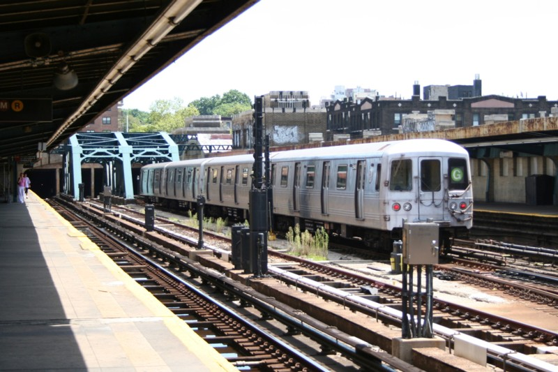 (133k, 800x533)<br><b>Country:</b> United States<br><b>City:</b> New York<br><b>System:</b> New York City Transit<br><b>Line:</b> IND Crosstown Line<br><b>Location:</b> 4th Avenue <br><b>Route:</b> G<br><b>Car:</b> R-46 (Pullman-Standard, 1974-75) 5948 <br><b>Photo by:</b> Neil Feldman<br><b>Date:</b> 8/11/2006<br><b>Viewed (this week/total):</b> 0 / 2777