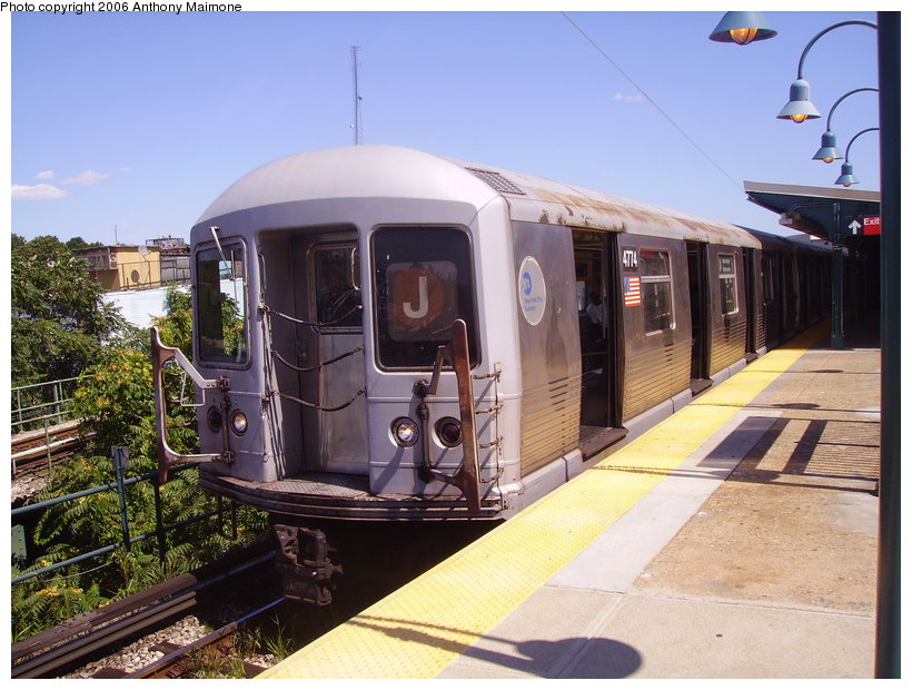 (142k, 820x620)<br><b>Country:</b> United States<br><b>City:</b> New York<br><b>System:</b> New York City Transit<br><b>Line:</b> BMT Nassau Street/Jamaica Line<br><b>Location:</b> Broadway/East New York (Broadway Junction) <br><b>Route:</b> J<br><b>Car:</b> R-42 (St. Louis, 1969-1970)  4774 <br><b>Photo by:</b> Anthony Maimone<br><b>Date:</b> 8/13/2006<br><b>Viewed (this week/total):</b> 0 / 2085