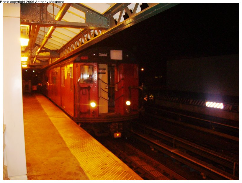 (99k, 820x620)<br><b>Country:</b> United States<br><b>City:</b> New York<br><b>System:</b> New York City Transit<br><b>Line:</b> IRT White Plains Road Line<br><b>Location:</b> West Farms Sq./East Tremont Ave./177th St. <br><b>Route:</b> WF<br><b>Car:</b> R-33 World's Fair (St. Louis, 1963-64)  <br><b>Photo by:</b> Anthony Maimone<br><b>Date:</b> 8/13/2006<br><b>Viewed (this week/total):</b> 0 / 2238