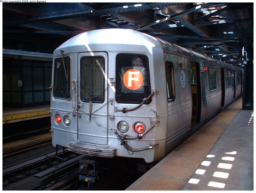 (181k, 1044x788)<br><b>Country:</b> United States<br><b>City:</b> New York<br><b>System:</b> New York City Transit<br><b>Line:</b> BMT Culver Line<br><b>Location:</b> West 8th Street <br><b>Route:</b> F<br><b>Car:</b> R-46 (Pullman-Standard, 1974-75) 5540 <br><b>Photo by:</b> John Barnes<br><b>Date:</b> 8/20/2006<br><b>Viewed (this week/total):</b> 1 / 2102