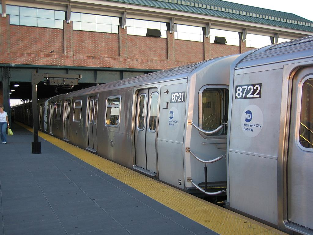 (128k, 1024x768)<br><b>Country:</b> United States<br><b>City:</b> New York<br><b>System:</b> New York City Transit<br><b>Location:</b> Coney Island/Stillwell Avenue<br><b>Route:</b> N<br><b>Car:</b> R-160B (Kawasaki, 2005-2008)  8721 <br><b>Photo by:</b> Michael Hodurski<br><b>Date:</b> 8/17/2006<br><b>Viewed (this week/total):</b> 3 / 3232