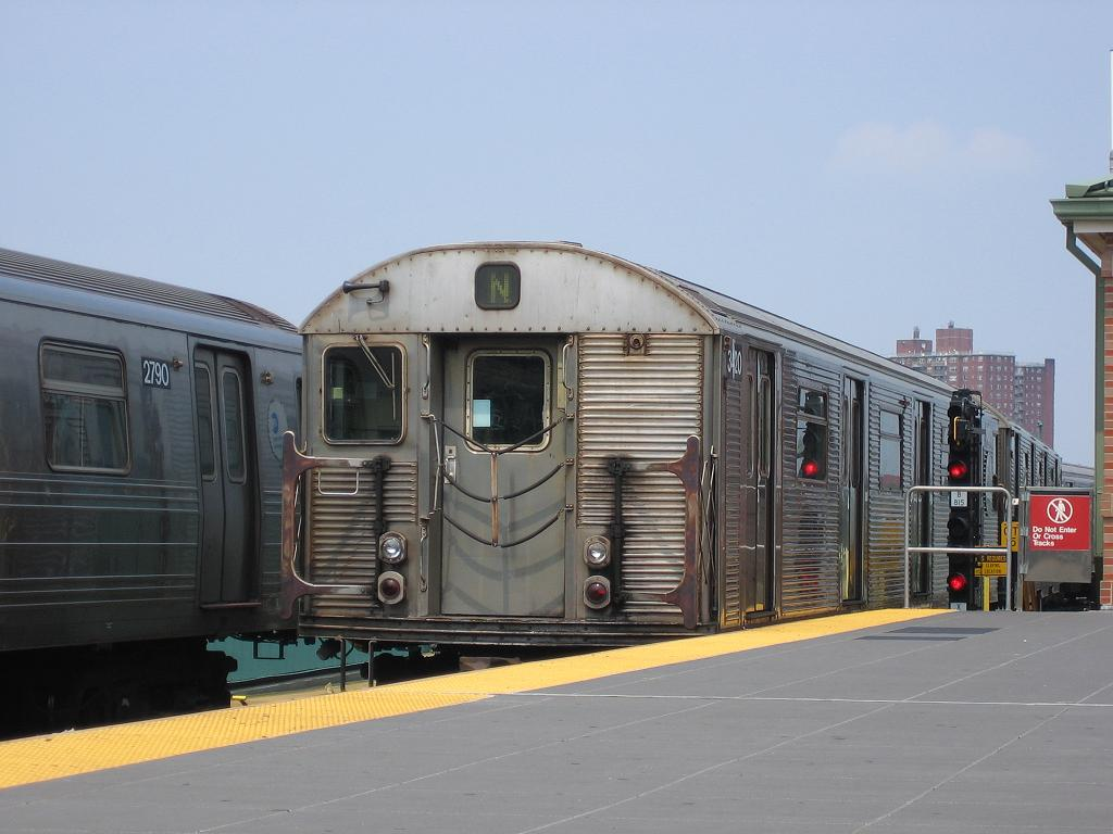 (96k, 1024x768)<br><b>Country:</b> United States<br><b>City:</b> New York<br><b>System:</b> New York City Transit<br><b>Location:</b> Coney Island/Stillwell Avenue<br><b>Route:</b> N<br><b>Car:</b> R-32 (Budd, 1964)  3420 <br><b>Photo by:</b> Michael Hodurski<br><b>Date:</b> 8/6/2006<br><b>Viewed (this week/total):</b> 0 / 1616