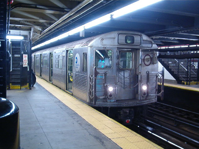 (78k, 640x480)<br><b>Country:</b> United States<br><b>City:</b> New York<br><b>System:</b> New York City Transit<br><b>Line:</b> IND 8th Avenue Line<br><b>Location:</b> 168th Street <br><b>Route:</b> C<br><b>Car:</b> R-38 (St. Louis, 1966-1967)  4048 <br><b>Photo by:</b> John Barnes<br><b>Date:</b> 8/26/2006<br><b>Viewed (this week/total):</b> 0 / 3098