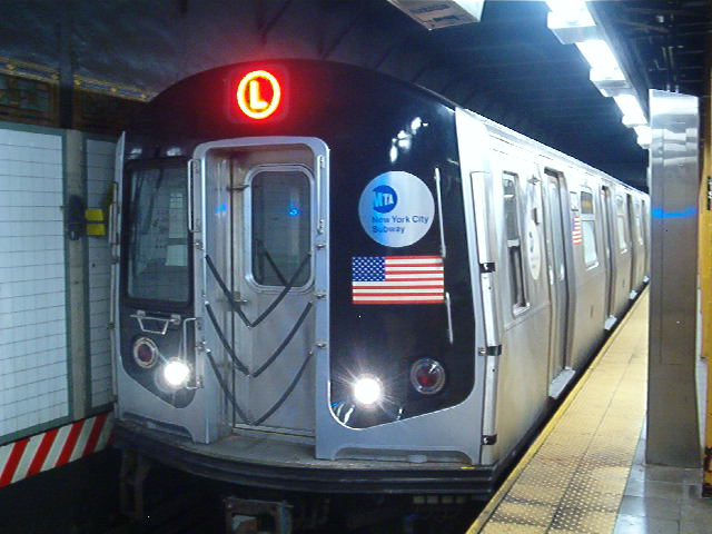 (64k, 640x480)<br><b>Country:</b> United States<br><b>City:</b> New York<br><b>System:</b> New York City Transit<br><b>Line:</b> BMT Canarsie Line<br><b>Location:</b> Union Square <br><b>Route:</b> L<br><b>Car:</b> R-143 (Kawasaki, 2001-2002) 8148 <br><b>Photo by:</b> John Barnes<br><b>Date:</b> 8/26/2006<br><b>Viewed (this week/total):</b> 0 / 3047
