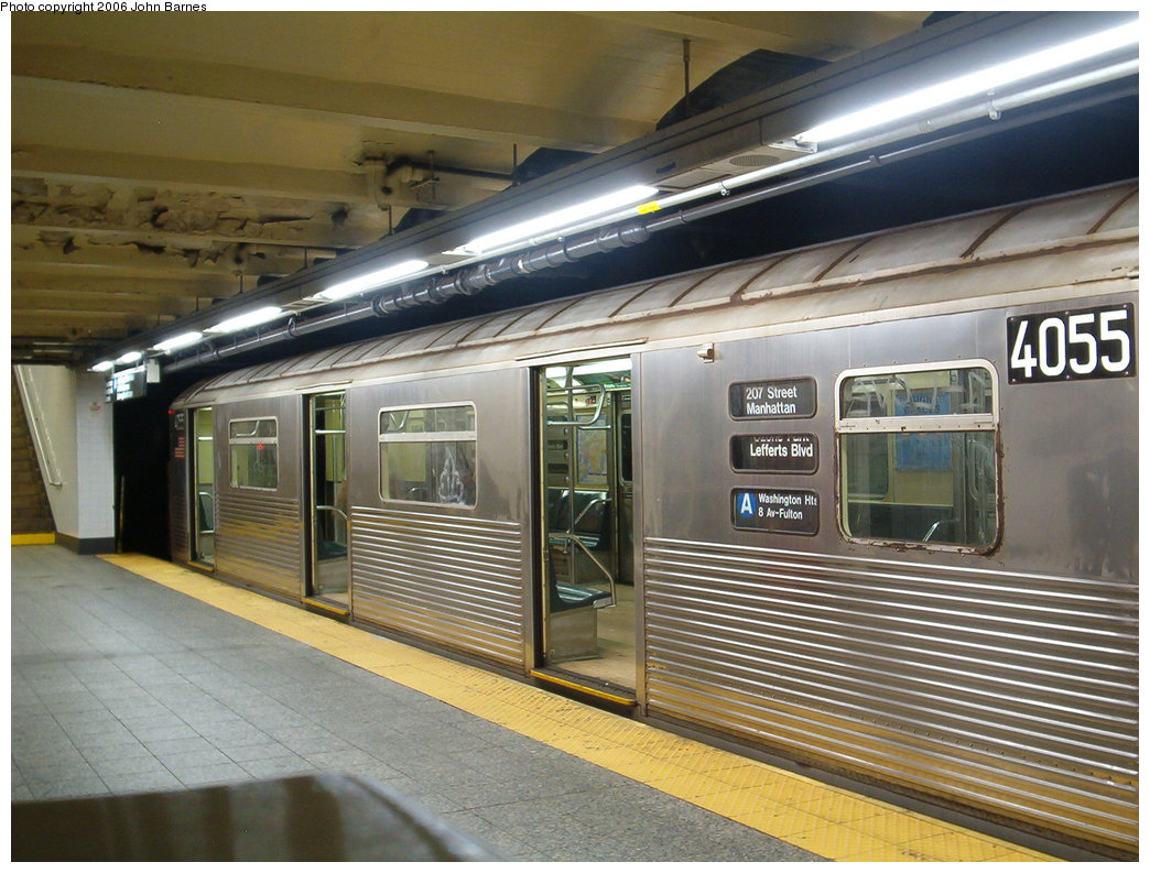(196k, 1044x793)<br><b>Country:</b> United States<br><b>City:</b> New York<br><b>System:</b> New York City Transit<br><b>Line:</b> IND 8th Avenue Line<br><b>Location:</b> 207th Street <br><b>Route:</b> A<br><b>Car:</b> R-38 (St. Louis, 1966-1967)  4055 <br><b>Photo by:</b> John Barnes<br><b>Date:</b> 8/27/2006<br><b>Viewed (this week/total):</b> 3 / 3702
