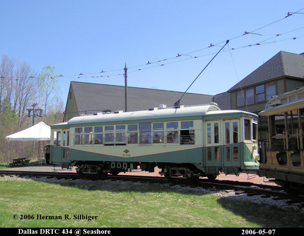 (216k, 1024x794)<br><b>Country:</b> United States<br><b>City:</b> Kennebunk, ME<br><b>System:</b> Seashore Trolley Museum <br><b>Car:</b> Dallas Railway & Terminal 434 <br><b>Photo by:</b> Herman R. Silbiger<br><b>Date:</b> 5/7/2006<br><b>Viewed (this week/total):</b> 1 / 708