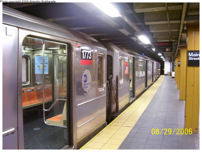 (121k, 820x620)<br><b>Country:</b> United States<br><b>City:</b> New York<br><b>System:</b> New York City Transit<br><b>Line:</b> IRT Flushing Line<br><b>Location:</b> Main Street/Flushing <br><b>Route:</b> 7<br><b>Car:</b> R-62A (Bombardier, 1984-1987)  1773/1772 <br><b>Photo by:</b> Aliandro Brathwaite<br><b>Date:</b> 8/29/2006<br><b>Viewed (this week/total):</b> 0 / 4178