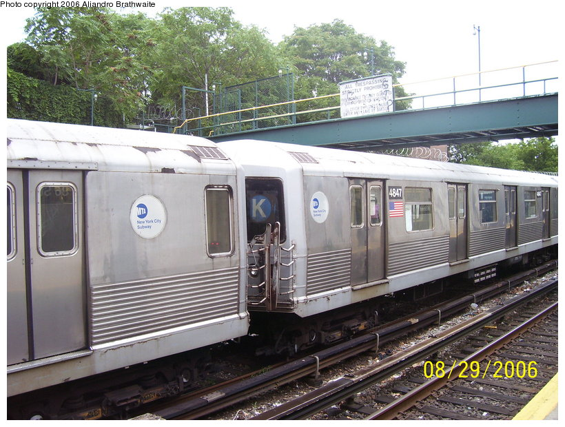 (155k, 820x620)<br><b>Country:</b> United States<br><b>City:</b> New York<br><b>System:</b> New York City Transit<br><b>Line:</b> BMT Sea Beach Line<br><b>Location:</b> 86th Street <br><b>Car:</b> R-42 (St. Louis, 1969-1970)  4847 <br><b>Photo by:</b> Aliandro Brathwaite<br><b>Date:</b> 8/29/2006<br><b>Notes:</b> Note K roll sign.<br><b>Viewed (this week/total):</b> 0 / 3274