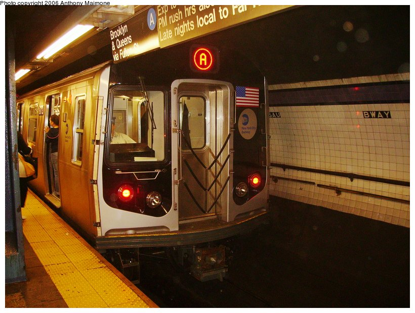 (123k, 820x620)<br><b>Country:</b> United States<br><b>City:</b> New York<br><b>System:</b> New York City Transit<br><b>Line:</b> IND 8th Avenue Line<br><b>Location:</b> Fulton Street (Broadway/Nassau) <br><b>Route:</b> A<br><b>Car:</b> R-160B (Kawasaki, 2005-2008)  8713 <br><b>Photo by:</b> Anthony Maimone<br><b>Date:</b> 9/11/2006<br><b>Notes:</b> First day of revenue service on the A line as part of the 30-day test.<br><b>Viewed (this week/total):</b> 7 / 6897