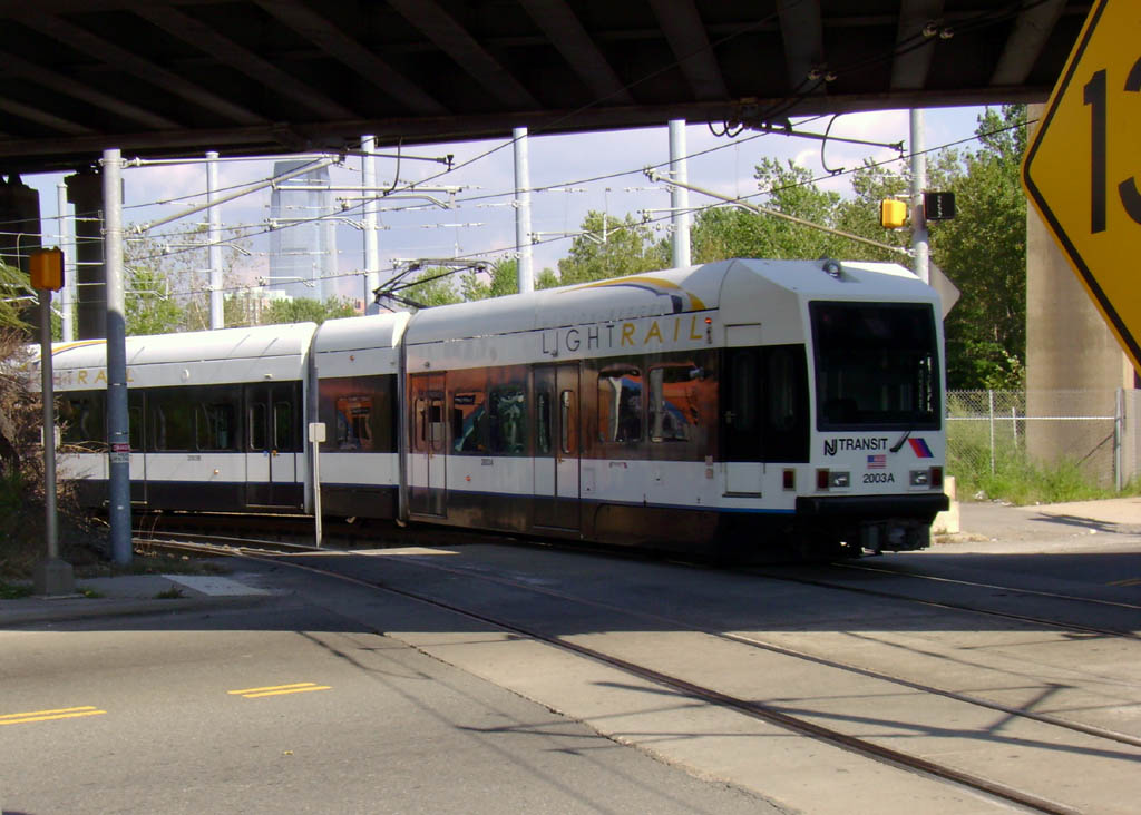 (138k, 1024x732)<br><b>Country:</b> United States<br><b>City:</b> Jersey City, NJ<br><b>System:</b> Hudson Bergen Light Rail<br><b>Location:</b> Liberty State Park <br><b>Car:</b> NJT-HBLR LRV (Kinki-Sharyo, 1998-99)  2003 <br><b>Photo by:</b> Pablo Maneiro<br><b>Date:</b> 9/20/2006<br><b>Viewed (this week/total):</b> 1 / 1324