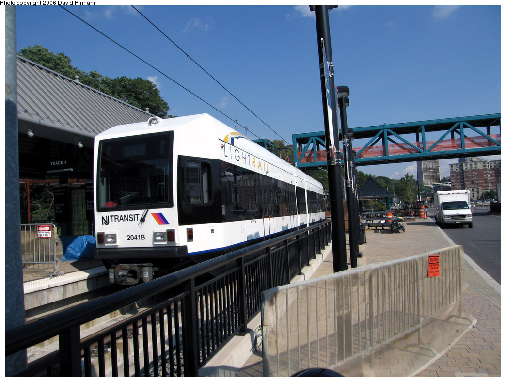 (239k, 1044x788)<br><b>Country:</b> United States<br><b>City:</b> Weehawken, NJ<br><b>System:</b> Hudson Bergen Light Rail<br><b>Location:</b> Port Imperial <br><b>Car:</b> NJT-HBLR LRV (Kinki-Sharyo, 1998-99)  2041 <br><b>Photo by:</b> David Pirmann<br><b>Date:</b> 9/28/2006<br><b>Viewed (this week/total):</b> 3 / 1057