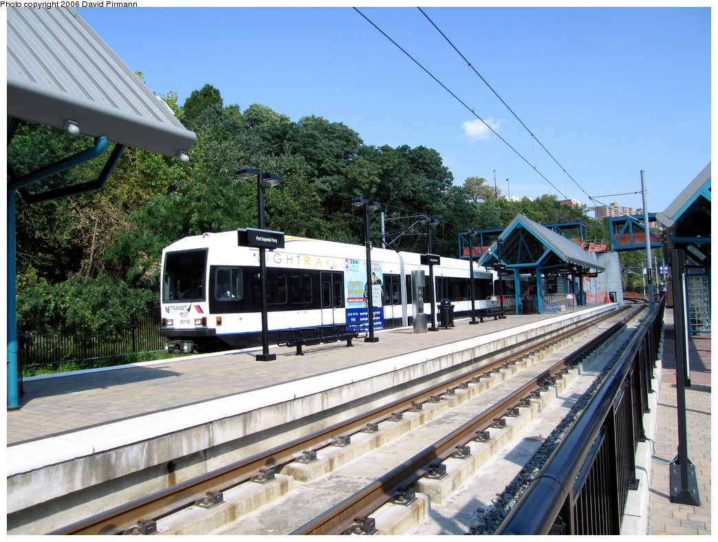 (296k, 1044x788)<br><b>Country:</b> United States<br><b>City:</b> Weehawken, NJ<br><b>System:</b> Hudson Bergen Light Rail<br><b>Location:</b> Port Imperial <br><b>Car:</b> NJT-HBLR LRV (Kinki-Sharyo, 1998-99)  2011 <br><b>Photo by:</b> David Pirmann<br><b>Date:</b> 9/28/2006<br><b>Viewed (this week/total):</b> 1 / 1075