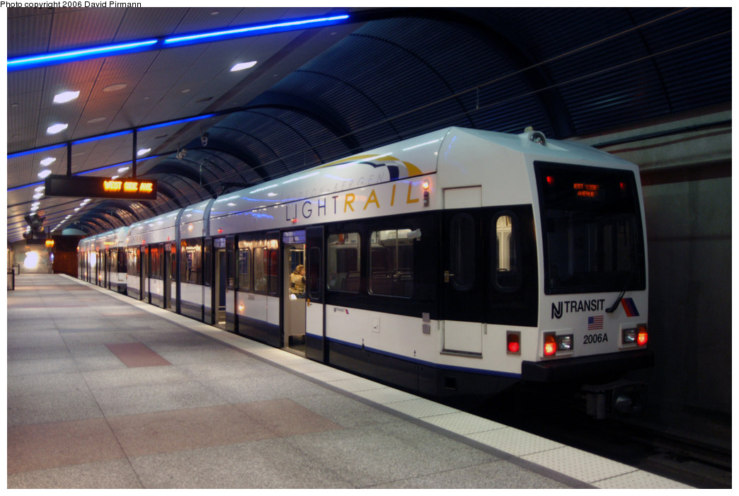 (183k, 1044x701)<br><b>Country:</b> United States<br><b>City:</b> Union City, NJ<br><b>System:</b> Hudson Bergen Light Rail<br><b>Location:</b> Bergenline Avenue <br><b>Car:</b> NJT-HBLR LRV (Kinki-Sharyo, 1998-99)  2006 <br><b>Photo by:</b> David Pirmann<br><b>Date:</b> 9/28/2006<br><b>Viewed (this week/total):</b> 1 / 1621