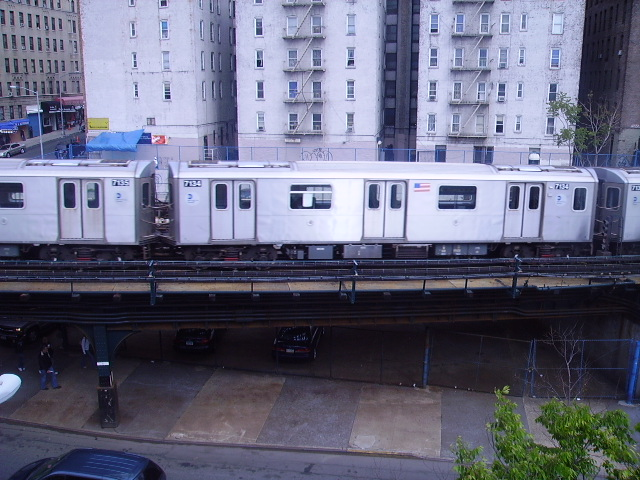 (157k, 640x480)<br><b>Country:</b> United States<br><b>City:</b> New York<br><b>System:</b> New York City Transit<br><b>Line:</b> IRT Woodlawn Line<br><b>Location:</b> 161st Street/River Avenue (Yankee Stadium) <br><b>Route:</b> 4<br><b>Car:</b> R-142 (Option Order, Bombardier, 2002-2003)  7134 <br><b>Photo by:</b> John Czarnecky<br><b>Date:</b> 5/2006<br><b>Viewed (this week/total):</b> 3 / 3634
