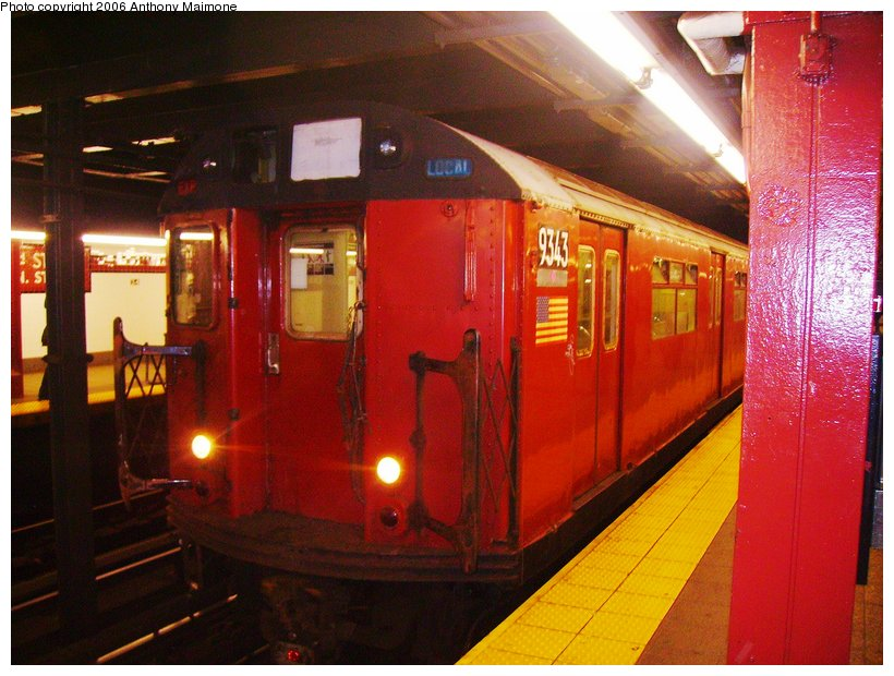 (121k, 820x620)<br><b>Country:</b> United States<br><b>City:</b> New York<br><b>System:</b> New York City Transit<br><b>Line:</b> IND 8th Avenue Line<br><b>Location:</b> 34th Street/Penn Station <br><b>Route:</b> Work Service<br><b>Car:</b> R-33 World's Fair (St. Louis, 1963-64) 9343 <br><b>Photo by:</b> Anthony Maimone<br><b>Date:</b> 10/7/2006<br><b>Viewed (this week/total):</b> 1 / 2584