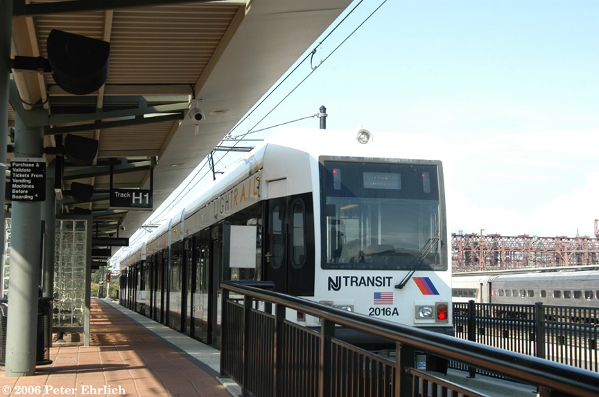 (178k, 864x574)<br><b>Country:</b> United States<br><b>City:</b> Hoboken, NJ<br><b>System:</b> Hudson Bergen Light Rail<br><b>Location:</b> Hoboken <br><b>Car:</b> NJT-HBLR LRV (Kinki-Sharyo, 1998-99)  2016 <br><b>Photo by:</b> Peter Ehrlich<br><b>Date:</b> 9/28/2006<br><b>Viewed (this week/total):</b> 0 / 1005