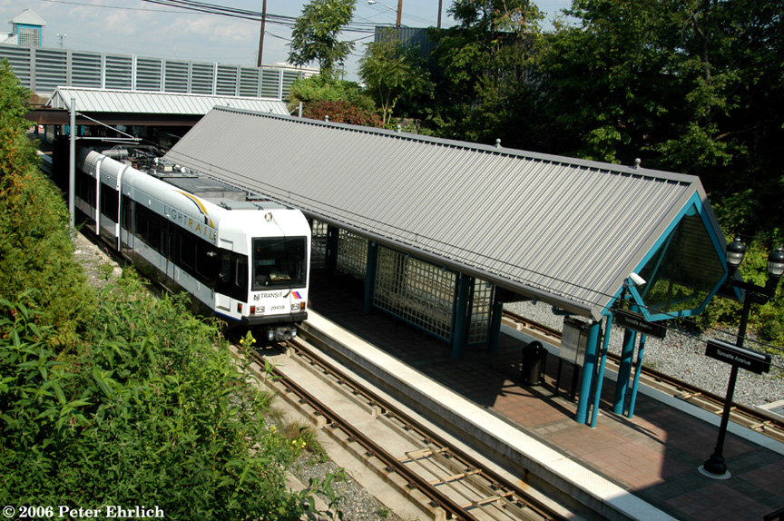 (315k, 864x574)<br><b>Country:</b> United States<br><b>City:</b> North Bergen, NJ<br><b>System:</b> Hudson Bergen Light Rail<br><b>Location:</b> Tonnelle Avenue <br><b>Car:</b> NJT-HBLR LRV (Kinki-Sharyo, 1998-99)  2041 <br><b>Photo by:</b> Peter Ehrlich<br><b>Date:</b> 9/28/2006<br><b>Viewed (this week/total):</b> 0 / 1489