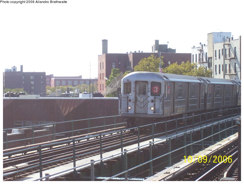 (121k, 820x620)<br><b>Country:</b> United States<br><b>City:</b> New York<br><b>System:</b> New York City Transit<br><b>Line:</b> IRT Brooklyn Line<br><b>Location:</b> Saratoga Avenue <br><b>Route:</b> 3<br><b>Car:</b> R-62 (Kawasaki, 1983-1985)  1611 <br><b>Photo by:</b> Aliandro Brathwaite<br><b>Date:</b> 10/9/2006<br><b>Viewed (this week/total):</b> 1 / 2550