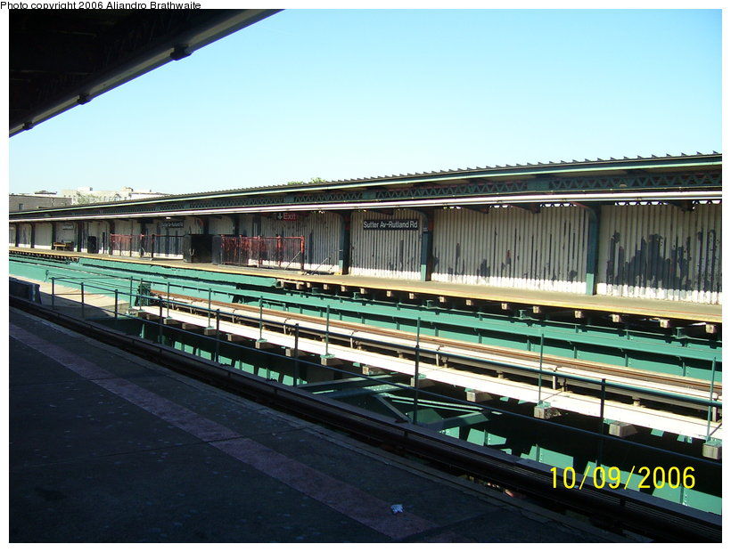 (122k, 820x620)<br><b>Country:</b> United States<br><b>City:</b> New York<br><b>System:</b> New York City Transit<br><b>Line:</b> IRT Brooklyn Line<br><b>Location:</b> Sutter Avenue/Rutland Road <br><b>Photo by:</b> Aliandro Brathwaite<br><b>Date:</b> 10/9/2006<br><b>Viewed (this week/total):</b> 0 / 2083