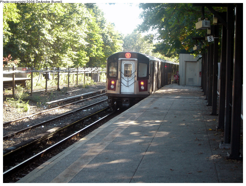 (196k, 820x620)<br><b>Country:</b> United States<br><b>City:</b> New York<br><b>System:</b> New York City Transit<br><b>Line:</b> IRT Dyre Ave. Line<br><b>Location:</b> Baychester Avenue <br><b>Route:</b> 5<br><b>Car:</b> R-142 or R-142A (Number Unknown)  <br><b>Photo by:</b> DeAndre Burrell<br><b>Date:</b> 10/7/2006<br><b>Viewed (this week/total):</b> 2 / 2799