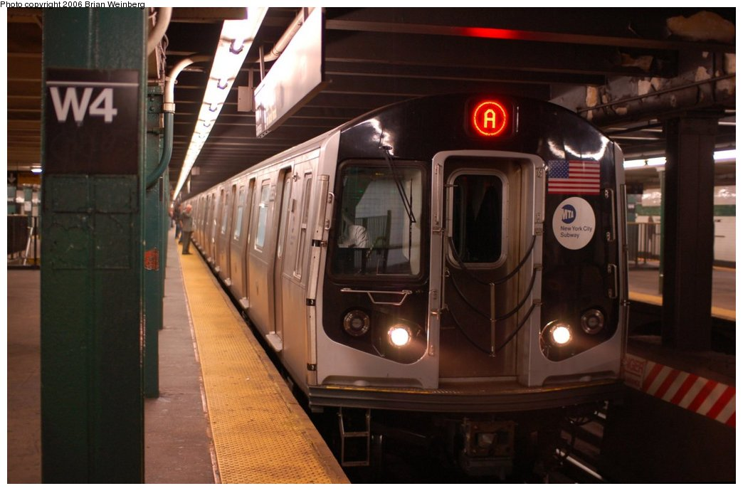 (176k, 1044x690)<br><b>Country:</b> United States<br><b>City:</b> New York<br><b>System:</b> New York City Transit<br><b>Line:</b> IND 8th Avenue Line<br><b>Location:</b> West 4th Street/Washington Square <br><b>Route:</b> A<br><b>Car:</b> R-160A-2 (Alstom, 2005-2008, 5 car sets)  8653 <br><b>Photo by:</b> Brian Weinberg<br><b>Date:</b> 10/16/2006<br><b>Notes:</b> First day of revenue service testing of the R160A.<br><b>Viewed (this week/total):</b> 1 / 4960