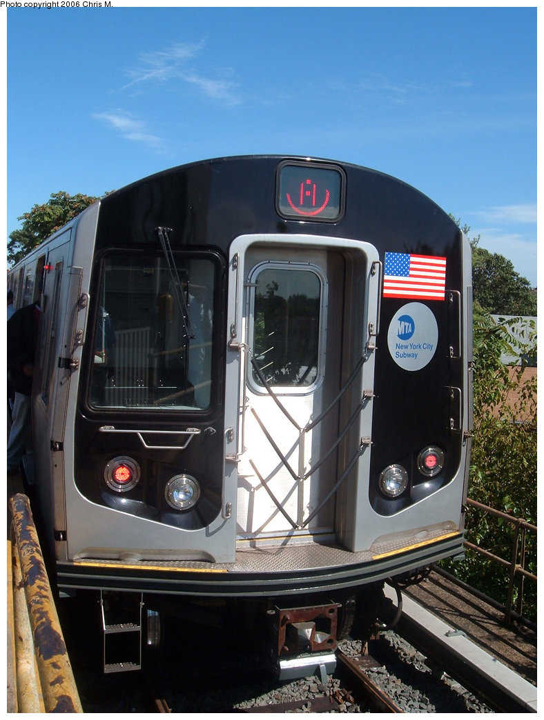 (211k, 788x1044)<br><b>Country:</b> United States<br><b>City:</b> New York<br><b>System:</b> New York City Transit<br><b>Line:</b> IND Rockaway<br><b>Location:</b> Mott Avenue/Far Rockaway <br><b>Route:</b> A<br><b>Car:</b> R-160B (Kawasaki, 2005-2008)  8722 <br><b>Photo by:</b> Chris M.<br><b>Date:</b> 9/16/2006<br><b>Viewed (this week/total):</b> 0 / 2469