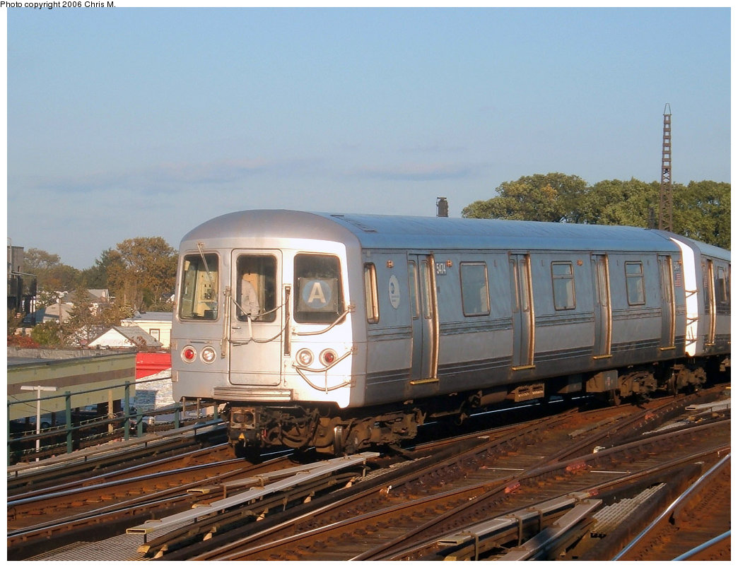 (214k, 1044x804)<br><b>Country:</b> United States<br><b>City:</b> New York<br><b>System:</b> New York City Transit<br><b>Line:</b> IND Fulton Street Line<br><b>Location:</b> Rockaway Boulevard <br><b>Route:</b> A<br><b>Car:</b> R-44 (St. Louis, 1971-73) 5474 <br><b>Photo by:</b> Chris M.<br><b>Date:</b> 10/21/2006<br><b>Viewed (this week/total):</b> 2 / 2219