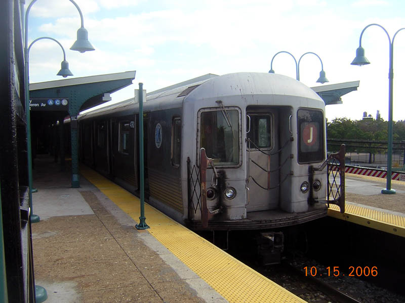 (91k, 800x600)<br><b>Country:</b> United States<br><b>City:</b> New York<br><b>System:</b> New York City Transit<br><b>Line:</b> BMT Nassau Street/Jamaica Line<br><b>Location:</b> Broadway/East New York (Broadway Junction) <br><b>Route:</b> J<br><b>Car:</b> R-42 (St. Louis, 1969-1970)  4790 <br><b>Photo by:</b> Robert Mencher<br><b>Date:</b> 10/15/2006<br><b>Viewed (this week/total):</b> 1 / 1421