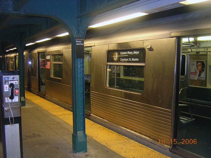 (115k, 800x600)<br><b>Country:</b> United States<br><b>City:</b> New York<br><b>System:</b> New York City Transit<br><b>Line:</b> BMT Nassau Street/Jamaica Line<br><b>Location:</b> Broadway/East New York (Broadway Junction) <br><b>Route:</b> J<br><b>Car:</b> R-42 (St. Louis, 1969-1970)  4889 <br><b>Photo by:</b> Robert Mencher<br><b>Date:</b> 10/15/2006<br><b>Viewed (this week/total):</b> 0 / 2351