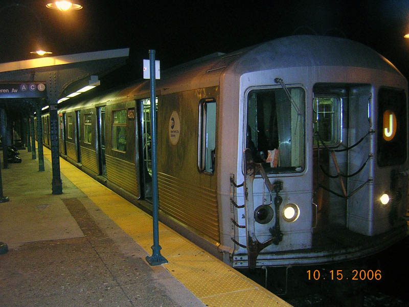 (103k, 800x600)<br><b>Country:</b> United States<br><b>City:</b> New York<br><b>System:</b> New York City Transit<br><b>Line:</b> BMT Nassau Street/Jamaica Line<br><b>Location:</b> Broadway/East New York (Broadway Junction) <br><b>Route:</b> J<br><b>Car:</b> R-42 (St. Louis, 1969-1970)  4860 <br><b>Photo by:</b> Robert Mencher<br><b>Date:</b> 10/15/2006<br><b>Viewed (this week/total):</b> 2 / 1586