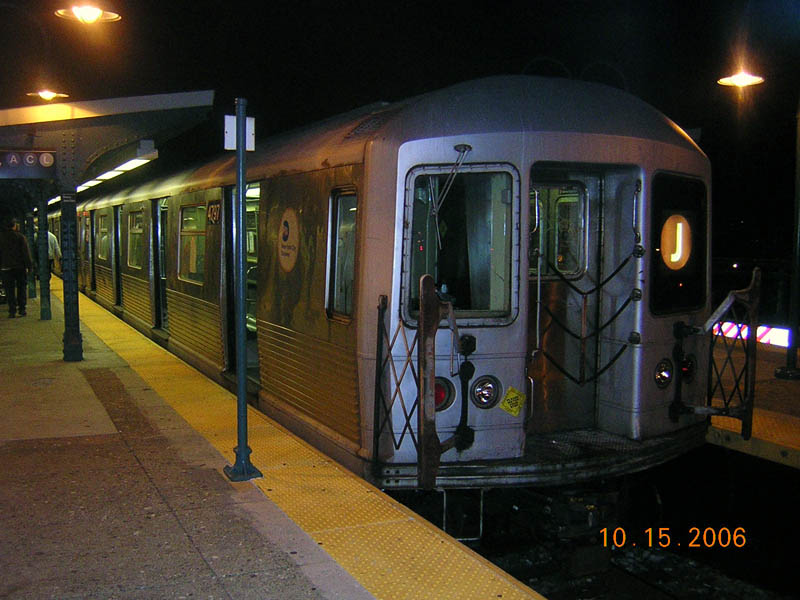 (102k, 800x600)<br><b>Country:</b> United States<br><b>City:</b> New York<br><b>System:</b> New York City Transit<br><b>Line:</b> BMT Nassau Street/Jamaica Line<br><b>Location:</b> Broadway/East New York (Broadway Junction) <br><b>Route:</b> J<br><b>Car:</b> R-42 (St. Louis, 1969-1970)  4797 <br><b>Photo by:</b> Robert Mencher<br><b>Date:</b> 10/15/2006<br><b>Viewed (this week/total):</b> 2 / 2505