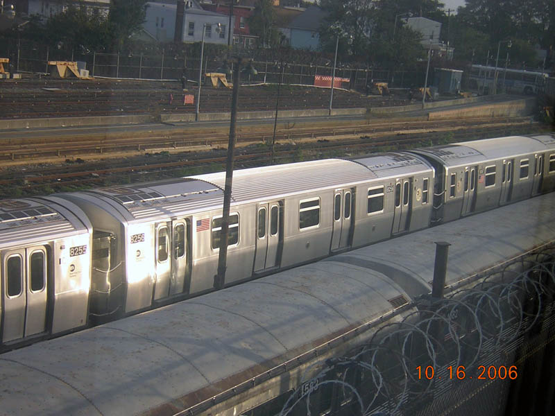 (104k, 800x600)<br><b>Country:</b> United States<br><b>City:</b> New York<br><b>System:</b> New York City Transit<br><b>Location:</b> Rockaway Parkway (Canarsie) Yard<br><b>Car:</b> R-143 (Kawasaki, 2001-2002) 8256 <br><b>Photo by:</b> Robert Mencher<br><b>Date:</b> 10/16/2006<br><b>Viewed (this week/total):</b> 1 / 2105